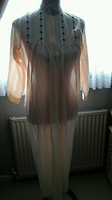 VINTAGE LADIES PEACH NIGHTDRESS BRUSHED NYLON 1960s SIZE 10/12 GREAT CONDITION