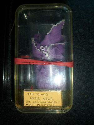Tom Jones Drinking Glass And Guitarists Plectrum From 1992 Tour In Sheffield.