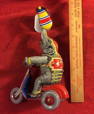 1934 Elefante Malabarista Reproduction (Made in Spain)Performing Elephant #1