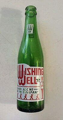 "Scarce Canadian ""wishing Well"" 10 Oz. Green Bottle With Red & White Acl"