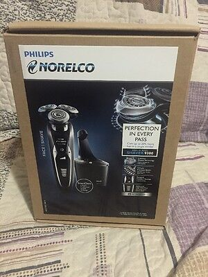 Philips Norelco Series 9000 Shaver 9300 Perfection in Every Pass Black
