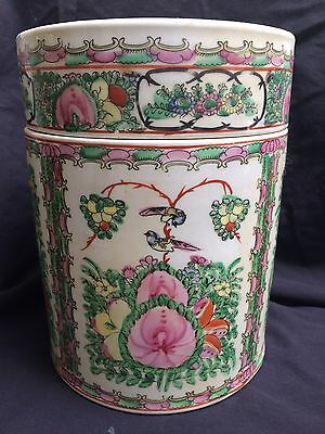 BEAUTIFUL LARGE Antique Chinese Rose Medallion Canister Jar With Lid