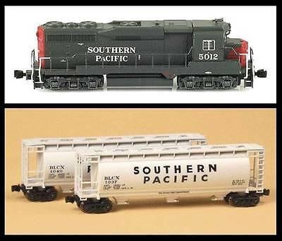 AZL Southern Pacific Loco/Cylindrical Hopper Bundle
