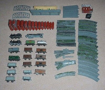 Lone Star Railway selection of track, locos, carriages, and buildings