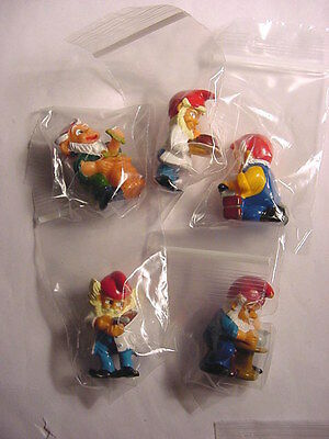 Kinder Surprise Egg Toy (5 Different Gnomes) Ferrero Magic Candy '2000