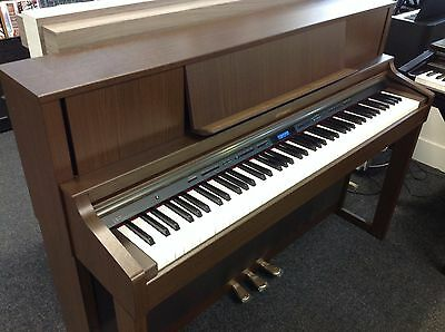 ROLAND LX7 Digital Piano, Brown Walnut - Includes warranty and delivery