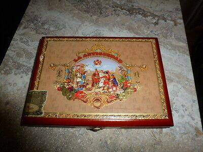 La Antiguedad Wood Cigar Box