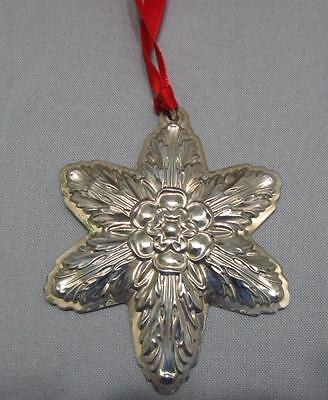 Lunt Sterling Silver Christmas Ornament Snowflake 2004 Box Pouch