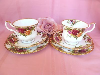 2 x~Genuine~Vintage~c1962~Royal~Albert~Old~Country~Roses~Cups~Saucers~Trio~Sets
