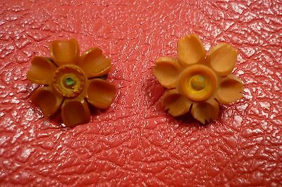 2 DIFFERENT FLOWERS WHW  Donation Tinnies