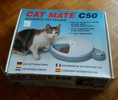 Cat Mate C50 Automatic Pet Feeder, 5 Feed Portions, 4-Day Timer Bowl 2 Ice Packs