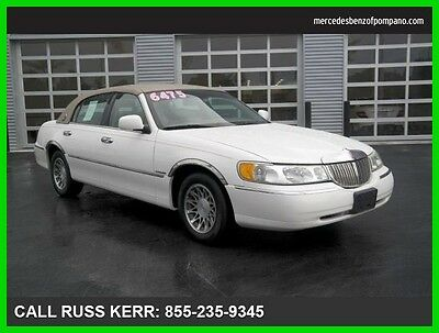 2002 Lincoln Town Car Sig. Prem. Touring One Owner Clean Carfax 2002 Sig. Prem. Touring Clean Carfax We Finance and assist with Shipping