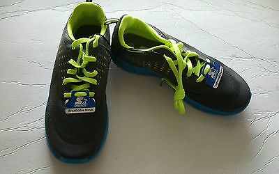 Boys athletic running shoes size 1-2-12-4-6 youth and color  blue New