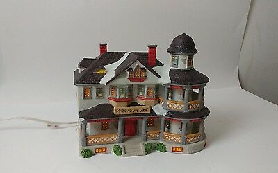LeMax Harborview Inn - Christmas Village Piece - 1994 Great Condition