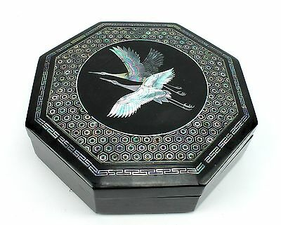 """Vintage 7.75"""" Mother of Pearl Inlay Black Lacquer Asian Octagon Trinket Box"""