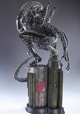 NEW Resin Replica OGRM 1:4  AVP Alien warrior Sitting Model Decoration Statue