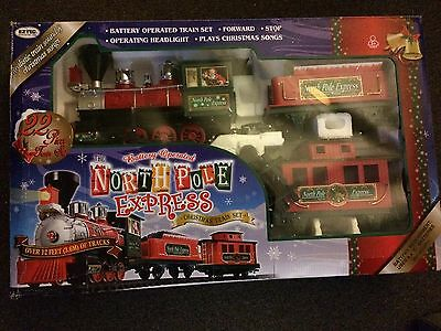 NIB North Pole Express CHRISTMAS TRAIN SET 22-Piece Battery Power PLAYS MUSIC!