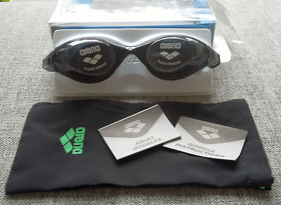 ARENA Swimming Goggles Adult Training Series FLUID Small Black BRAND NEW + Pouch