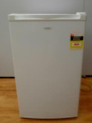 Heller 116 litre BAR Fridge with SMALL Freezer BFH116 Excellent Adelaide