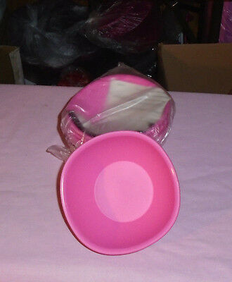 Tupperware Brand New Legacy Pinch Cereal Bowl Set of 4  1 3/4 cup Pink New