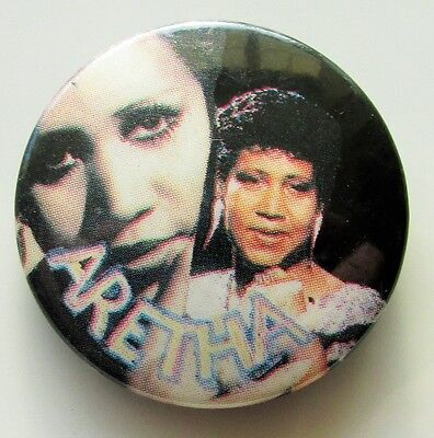 ARETHA FRANKLIN OLD METAL BUTTON BADGE FROM THE 1980's QUEEN OF SOUL RETRO