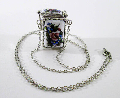 Traditional Russian Enamel Finift Rostov Vintage Jewelry Pendant White color #79