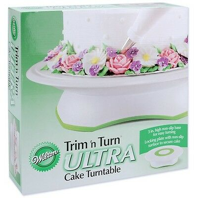 Wilton 369290 Trim n Turn Ultra Cake Turntable-12in Round Green and White NEW