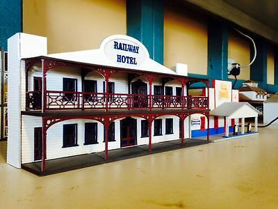 RAILWAY HOTEL w-Verandahs Backdrop Building HO 1/87 scale Laser cut Wood kit