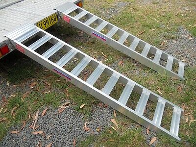 1.5 Tonne Capacity Machinery Loading Ramps 2 Metres x 300mm track width HD Rung