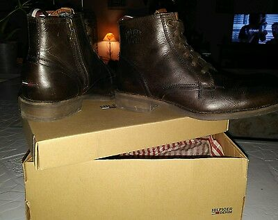 """Chaussures homme """"Hilfiger"""" taille 41 Neuves"""