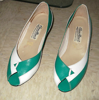Funky Vintage 80s Shoes   Made in Italy   Size 6 1/2   Green White   Geometric