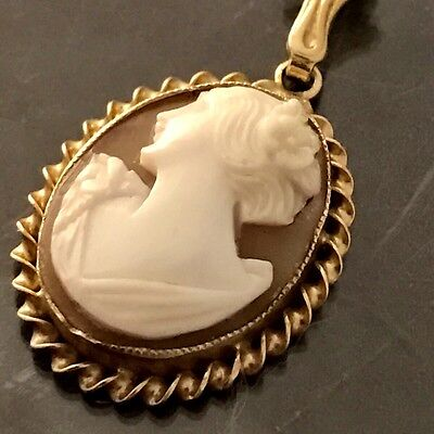 Vintage ESEMCO 10K Solid Gold Hand Carved Shell Cameo Pendant 3 grams