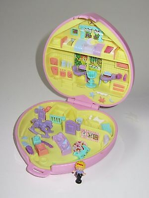 Vintage Polly Pocket Compact Toy   Perfect Playroom    1994