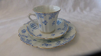 Blairs China England Trios Blue & White