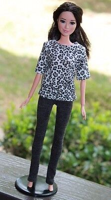 Clothes for Barbie Doll. T-shirt leopard print and leggings for Dolls.