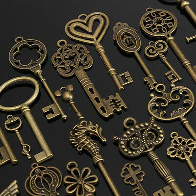 69× Mixed Antique Vintage Old Look Skeleton Keys Necklace Bronze Pendants Set