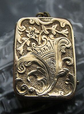 9 Karat Gold 1900 ANTIQUE Locket, Repousse and Chased - Hand Forged