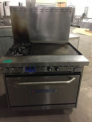 Bakers Pride Natural Gas Range w/ 2 Burners 24 Inch Griddle And Convection Oven
