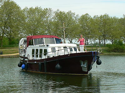 Motor Boat 14 metre Dutch steel cruiser