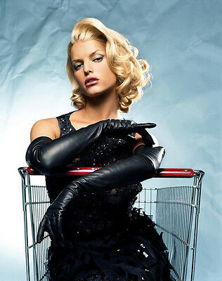 Jessica Simpson UNSIGNED photo - H1895 - STUNNING!!!!!