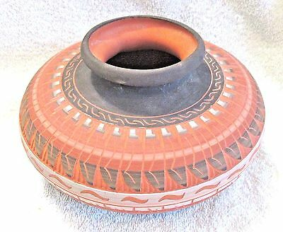 Vtg Native American Navajo Pottery Hand Etched & Painted Vase By F Woods