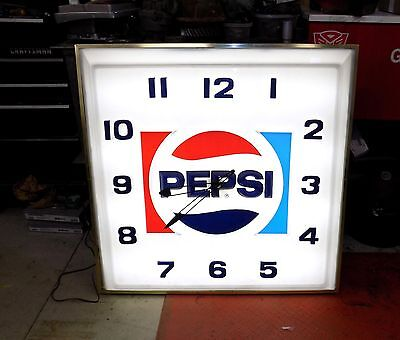 "Vintage Pepsi Cola Soda Lighted Clock 70's 80's  36"" X 36"""