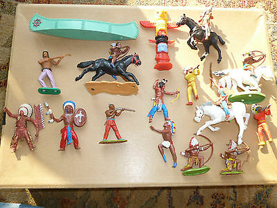 Genuine Lot 16 Timpo Swoppets Plastic Red Indians Britains Figures Totem Pole