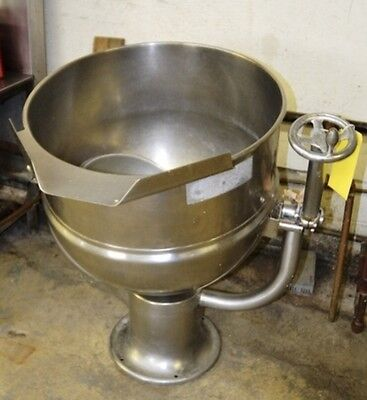 Groen D2-40 40 Gallon Stainless Steel Direct Steam Jacketed Tilting Kettle Used