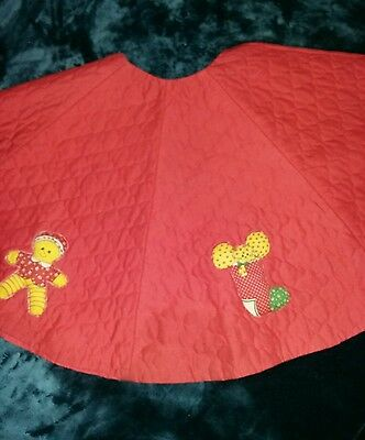 Christmas Tree Skirt red Quilted Beautiful Puffed motif Handmade