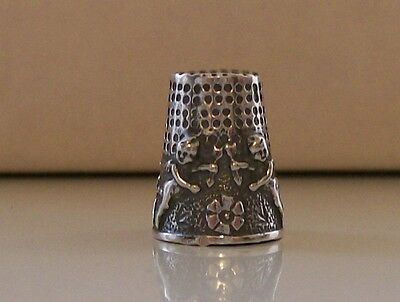 Nicely Decorated 925 Sterling Silver Thimble (Cherubs)