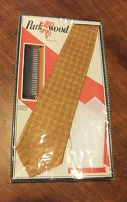 Park Wood men's accessories vintage sealed tie handkerchief clothes brush as new