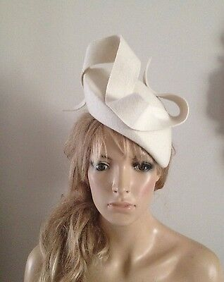 Ivory/wool/felt/beret/percher/hat/vintage/fascinator/pillbox/ascot/wedding/bride