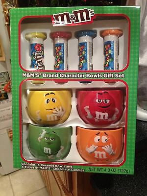 M&M'S Set of 4 Ceramic Cereal Bowls Mugs & 4 Tubes Chocolate Candies Brand New