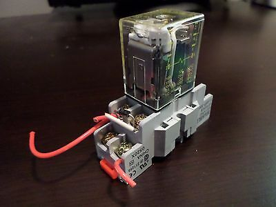24VDC DPDT Cube relay with internal LED & base SquareD
